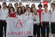 Sporcularımız Çanakkale'yi geçti! / Anabilim Spor Kulübü sporcuları, MEB Gençler Yüzme Şampiyonası'nda grup birincisi oldu.