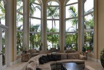 Windows, walls, doors and floors / by Daniela Bemelman