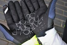 2018 100% Motocross Gloves - ride 100%! / The 100% brand has always been synonymous with motocross Americana and has been linked to many iconic moments that have built the roots and history of what is modern motocross. The roots of the 100% brand date back to the early 1980's when the popular logo graced the factory racing equipment of the biggest names in motocross. 100% have taken a step further and brought a Casual line that delivers class and elegance.