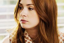 Karen Gillan / Scottish actor in doctor who with bright ginger hair