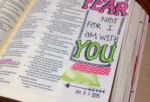 Bible Journaling / I want to find a bible like this and try this out. I love the idea of this!