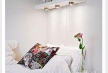 estantes flotantes en dormitorios