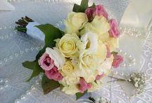 νυφική ανθοδεσμη με λευκό κ ροζ
