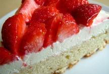 Cakes & Pies / by Kada Beh