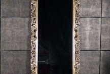 Зеркала напольные / Напольные зеркала это многофункциональный элемент интерьера, который не только покажет как сочетаются все элементы вашего наряда, но и визуально расширит пространство прихожей или иного помещения. Напольные зеркала Vezzolli это неповторимый стиль и качество.