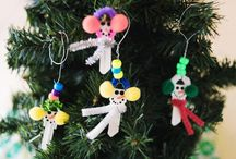 Christmas Craft Videos / These craft videos from AllFreeChristmasCrafts will show you, step-by-step how to make the most unique DIY ornaments, kids' Christmas crafts, and more!