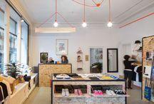 TULAVU la Boutique ?! / La boutique offre une sélection pointue de produits d'une trentaine de créateurs, couvrant différents domaines : la mode, le design, la déco, les arts, ...