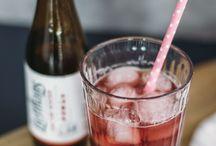 Aperitifs - leckere & erfrischende Getränke / Den ein oder anderen Aperitif in der Sonne auf dem Balkon genießen- das fühlt sich doch schon fast wie Urlaub an. Damit dir die Ideen nicht ausgehen, haben wir für dich unsere besten Rezepte für erfrischende Getränke zusammen gestellt - mit und ohne Alkohol!