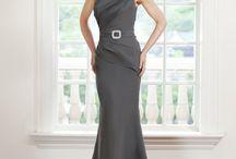 Dresses / by Lisa Pflaum Saunders