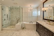 Home : Bathrooms  / by Cullen Rooney