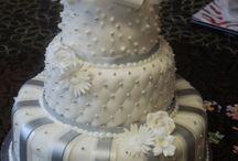 Wedding Cakes, Silver. Indian Weddings Magazine / Indian Weddings Inspirations: Silver Cakes