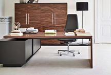 Italian design furniture brands / Find italian leader brands for office furniture, design chairs, partitioning systems, executive desks.