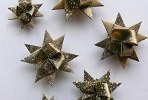 Hvězdy z papíru / Ručně vyrobené hvězdy z papíru z různých papírů a různých barev. Vhodné k dekoraci vánočního stromečku, vánočního věnce nebo k výrobě vánoční girlandy. Vhodné také jako dekorace na různé oslavy a párty.