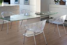 Mesas para la cocina  - Tienda de Muebles en Valencia / En nuestra tienda de muebles de Valencia podemos encontrar gran variedad de mesas para la cocina, dependiendo del gusto de cada cliente.