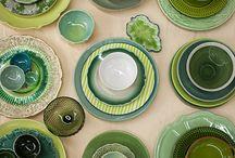pratos e mesas