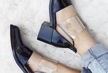 Moda / Does anyone know where I can buy these shoes???