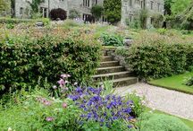 Places to visit / There are lots of beautiful houses, gardens and castles not far from us so we've chosen a few you might like to visit.