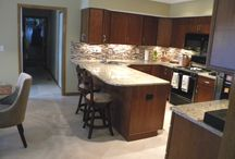 Columbus Ohio Open Kitchen Remodel / This open layout allows for easy entertaining and dining all in the same room, but with separate spaces.