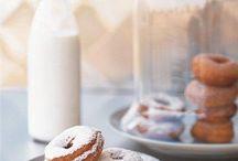 Donuts & Doughnuts