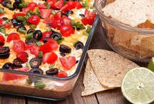 Cinco de Mayo Recipes / Discover a collection of the best Cinco de Mayo recipes on the web! From festive Cinco de Mayo desserts, appetizers, finger foods and meals. Perfect for office parties and school parties. Simple, easy and delicious Cinco de Mayo recipes for your menu! #cincodemayomenu #cincodemayo #cincodemayofood