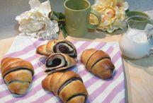 http://www.dolciricettedicasa.it/lievitati-dolci.html / tante dolci e soffici idee per la colazione e la merenda!