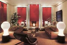 70's interior design / A paradise of original lamps, vases, coffeetables, barcart ...