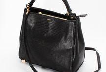 【CHARUER(シャルエ)】FB29304 / 【CHARUER(シャルエ)/ 商品入荷情報】 リザードの型押しを施した上品な印象のトートーバッグ。 大人の女性にふさわしいシックで落ち着いた配色が魅力です(*^^*) http://www.hecrou-online-store.com/?pid=102562687