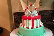 Cakes and cupcakes / Fondant cake, cupcakes