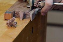 Snekkerbua / Produksjon og reparasjon, av stort og smått