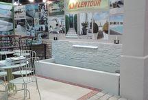 Fontaine murale en béton ciré avec parement intégré, modèle monobloc / Fontaine béton, fontaine pierre reconstituée, fontaine murale béton ciré, fontaine monobloc, aménagement fontaine jardin