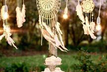 Boho Chic Wedding Ideas / Beautiful boho wedding ideas and inspiration for the dreamers in all of us