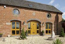Venables Oak Project: Ivy Barn / Venables Oak project, external oak doors, windows and screens.