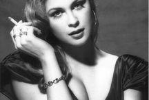 Actresses I Wish I Looked Like / by Laura Hansen
