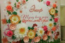 backdrop big flowers