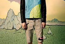 Marc by Marc Jacobs Spring Summer 2015 / Viens découvrir le lookbook Spring Summer 2015 de la maison Marc by Marc Jacobs. Une fois de plus, ce sont de heureux anonymes, dénichés sur les réseaux sociaux, qui jouent aux mannequins pour une collection aux inspirations multiples et urbaines. C'est sur le blog #lesgarconsenligne !   http://lesgarconsenligne.com/2015/01/21/marc-by-marc-jacobs-sa-campagne-spring-summer-2015/