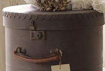 bauli e vecchie valigie