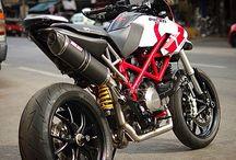 Ducati / Hypermotard 796