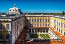 Mafra National Palace Tour / This tour consists basically in spending the afternoon visiting Mafra's Palace and Convent. Built in 1717 under the orders of portuguese king D. João V, this is work is a magnificent monastery and palace, baroque style. During the palace tour, you can enjoy one of the most beautiful libraries in the world (actually, the biggest one!), the monumental basilica towers and chimes throughout the royal palace. A bath of culture!