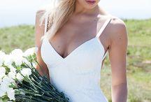 Wedding dresses / by Vicky Hardy