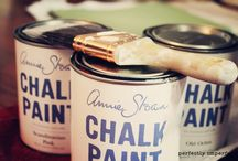 Paintin' and Chalkin' / by Andrea Fassiotto