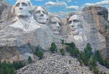 Mount Rushmore National Memorial / http://www.goldenbustours.com/mount-rushmore-tours/