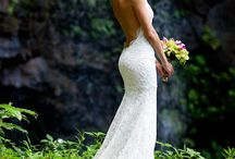 Wedding Dresses / by Elysia Hawkes
