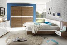 Nowoczesne meble do sypialni - najciekawsze przykłady! / W sypialni, czyli naszej najbardziej prywatnej przestrzeni w domu, możemy puścić wodze fantazji i wyposażyć ją oryginalnymi sprzętami. Jakie nietypowe kształty i formy mogą posiadać nowoczesne meble do sypialni? O tym możecie przeczytać w artykule: http://mebleportal.pl/meble-dodatki-sprzet-36/0/336/nowoczesne-meble-do-sypialni---najciekawsze-przyklady.html
