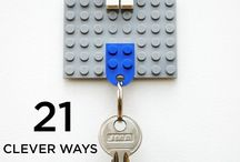 Victor / Cool for hanging keys with left around lego