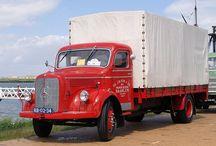 Alte deutsche LKW und Busse