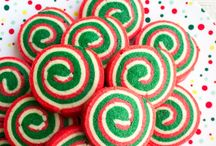 Christmas Cookies & Desserts / The best Christmas cookie and dessert inspiration. Christmas cookies, holiday cookies, Christmas sugar cookies, Christmas cookie swap recipes, gingerbread houses and more!