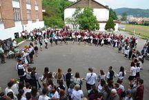 Ziua iei - Școala Națională de Gaz Mediaș / La finalul anului școlar elevii și profesorii de la SNG Mediaș au purtat tradiționala ie Românească,