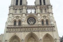 Katedra Notre Dame / Katedra Notre Dame - co roku blisko 12 milionów turystów staje w zachwycie przed tą imponującą bryłą. Zobacz dlaczego: http://zwiedzamyparyz.pl/zabytki-paryza/katedra-notre-dame