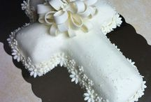 First communion cakes / by Sonia Erales