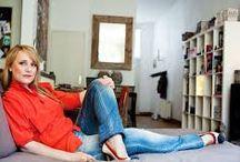 Milou van der Will / begon haar journalistieke carrière in de bladenwereld. Tegenwoordig werkt ze bij dagblad Metro, waar zij zich vooral bezighoudt met sociaal maatschappelijke onderwerpen. Ze verdiepte zich in de loverboy-problematiek en sprak met slachtoffers, hulpverleners en politie. Hun verhalen dienden als basis voor Van der Wills thrillerdebuut, Rood licht.( hebban)
